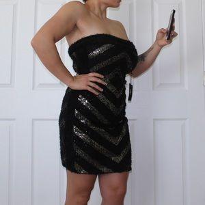 Vertigo | chevron strapless dress